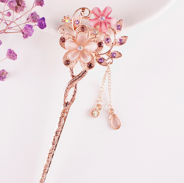 Win 1 of 7 CRYSTAL Flower Hairpins!